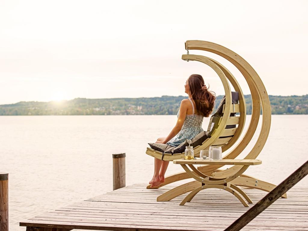 Stojak do fotela drewnianego, Globo Stand