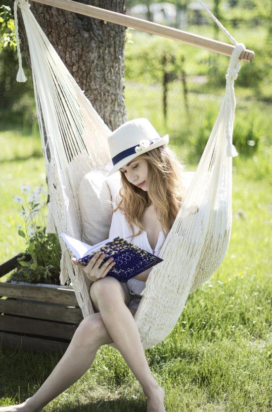 relaks iodpoczynek wkrześle wiszącym