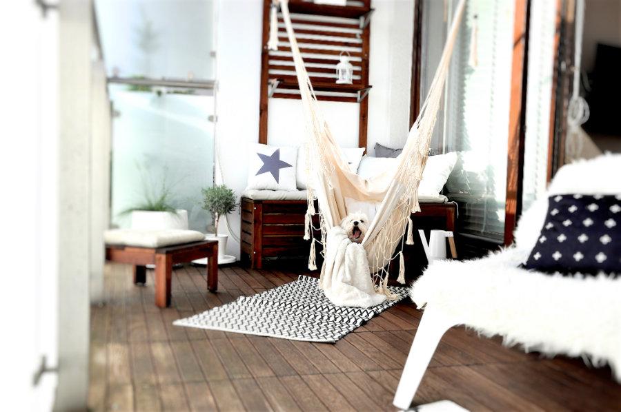 Hamak brazylijski to połączenie hamaka ogrodowego zfotelem.