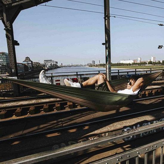 Hamak na moście